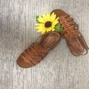Baretraps sandal